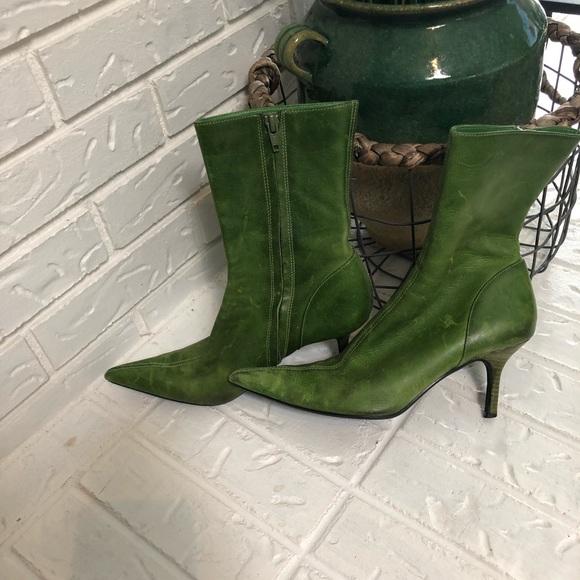 ca8fe9e18879 Size 8 Steve Madden Olive green leather boots. M 5a8de794a6e3eaaca687f219